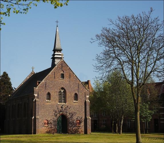 Dendermonde,begijnhof,kerkje,schaduw,poort