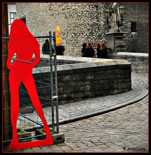Lady in red,Antwerpen,graffiti,rood,vrouwen in rood,Kortrijk,
