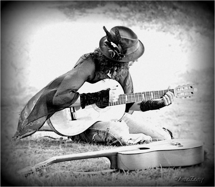1gitarist2164ama2.jpg